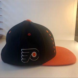 NHL Flyers Flat Brimmed Hat